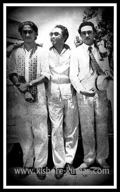 Kishore, Ashok and Anoop Kumar. Ashok Kumar, Kishore Kumar, Romantic Mood, Vintage Bollywood, Film Industry, Rare Photos, In The Heart, Great Movies, Movie Stars
