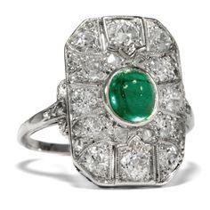 Greetings from Emerald City - Exquisiter Art Déco-Ring mit Smaragd & Diamanten in Platin, um 1930 von Hofer Antikschmuck aus Berlin // #hoferantikschmuck #antik #schmuck #Ringe #antique #jewellery #jewelry // www.hofer-antikschmuck.de