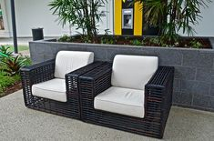 When choosing a lounge chair, comfort should always be the priority to consider. You should also check on the stability and durability of the chair befire buying. Outdoor Sofa, Outdoor Furniture Sets, Outdoor Decor, Womb Chair, Single Chair, Relaxing Places, Waiting Area, Lounge Areas, Foot Rest
