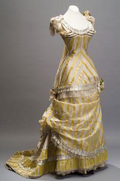 Museo del Noreste - Museo del Palacio  Vestido de gala corte princesa  Autor desconocido  Segunda mitad del siglo XIX