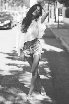 SHORTS, OXFORDS, BLOUSE, FASHION, SUMMER, BLACK AND WHITE