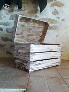 recycled apple boxes