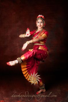 Dress Dance Music 62 New Ideas Indian Women Painting, Indian Paintings, Cultural Dance, Isadora Duncan, Dance Art, Dance Music, Indian Classical Dance, Indian Photoshoot, Dance Paintings