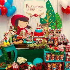 decoração chapeuzinho vermelho Jungle Birthday Cakes, Red Riding Hood Party, Red Party, Ideas Para Fiestas, Bad Wolf, Little Red, Party Themes, Party Ideas, Cute