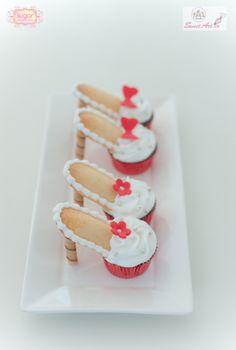 HOW TO high heel shoe cupcake