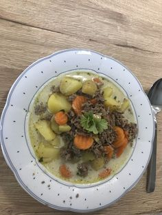 Pote de batata com creme azedo e cenoura, uma receita muito deliciosa com ... Pots, Pot Roast, Bon Appetit, Creme, Oatmeal, Food And Drink, Meals, Breakfast, Ethnic Recipes