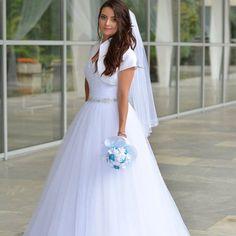 4d5d58b120f4 Nádherné korzetové princeznovské šaty snehobielej farby ponúka nevesta  Zuzanka.