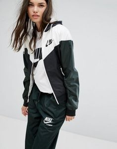 Buy Nike Og Windrunner Hooded Jacket at ASOS. With free delivery and return options (Ts&Cs apply), online shopping has never been so easy. Get the latest trends with ASOS now. Winter Coats Women, Coats For Women, Jackets For Women, Sport Outfits, Casual Outfits, Womens Windbreaker, Adidas Outfit, Asos, Lightweight Jacket