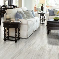 "Shaw Floors Floorte Classico 6"" x 48"" x 6.5mm Vinyl Plank in Bianco"