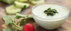 ¿Quieres aprender a hacer ésta deliciosa y ligera Salsa de yogur para ensaladas? sólo tardarás 5 minutos - Recetas de salsas para ensaladas - Salsa césar