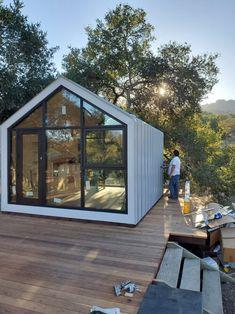 Gallery — The Bunkie Co. Prefab Cottages, Prefabricated Houses, Modern Tiny House, Tiny House Cabin, Modern Lofts, Shed Design, House Design, Design Design, Ideas Cabaña
