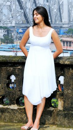 South Indian Actress, Beautiful Indian Actress, Anushka Photos, Fake Images, Samantha Photos, Actress Anushka, Lovely Smile, Tamil Actress Photos, Kermit