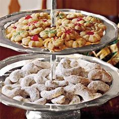 Spritz cookies are a classic Christmas cookie. For truly authentic spritz cookies, be sure to invest in a cookie press to get that oh-so-perfect shape. Spritz Cookie Recipe, Spritz Cookies, Sprinkle Cookies, Cookie Recipes, Dessert Recipes, Pecan Cookies, Owl Cookies, Icing Recipes, Dessert Dips