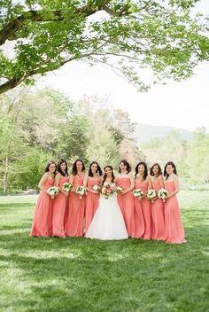 どんなピンクにする?雰囲気別ピンク色のブライズメイドのドレスCOLLECTION♡にて紹介している画像