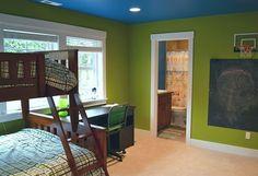 kinderzimmer streichen wände grün decke blau etagenbetten