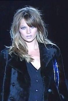 gabbigolightly:  Kate Moss at Gucci Fall/Winter 1995