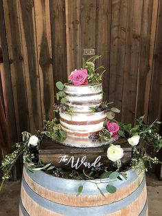 This custom rustic wood cake stand is perfect for any wedding, engagement or anniversary Party! Found this pretty cake stand on Etsy. Perfect as cupcake stand too. Rustic Cake Stands, Wooden Cake Stands, Wedding Cake Stands, Wedding Cake Rustic, Wedding Cakes, Wedding Table, Wedding Ceremony, Wedding Venues, Bridal Shower Decorations