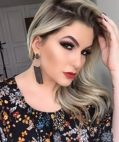 Maquiagem monocromática!!! Os mesmos tons nos olhos e na boca!!! Uma tendência forte que vem por aí! Corram lá no blog: http://ift.tt/K6CATG #makeup #make #alicesalazar #maquiagem