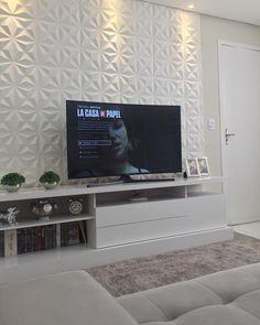 """2,844 curtidas, 61 comentários - Casa 207 (@_casa207) no Instagram: """"Cada dia que passa vou ficando mais apaixonada por nossa casa. Foram tantos sonhos, tantos planos,…"""" Tv Wall Decor, Room Decor, 3d Wall Panels, One Bed, Tv Unit Design, Living Comedor, Home Cinemas, Entertainment Center, Home Theater"""