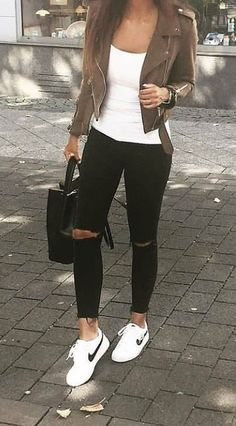 woman wearing white top, brown jacket, distressed black jeans a. - woman wearing white top, brown jacket, distressed black jeans and white Nike shoes holding black bag. Pic by Source by - Mode Outfits, Fall Outfits, Fashion Outfits, Sneakers Fashion, Nike Sneakers, Sneakers Mode, Fashion Tips, Look Fashion, Autumn Fashion