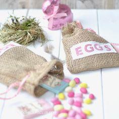 Selbstgenähte Goodie Bags für die Ostereier. Anleitung auf Craftyneighboursclub