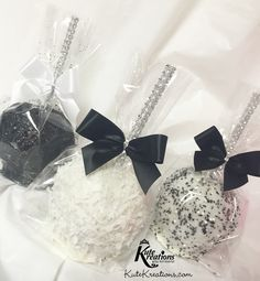 Black & White Candy Apples by KuteKreations.com
