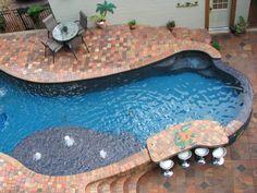11 Breathtaking Infinity Pools --> http://www.hgtvgardens.com/hardscaping/swim-club-amazing-infinity-pools?soc=pinterest