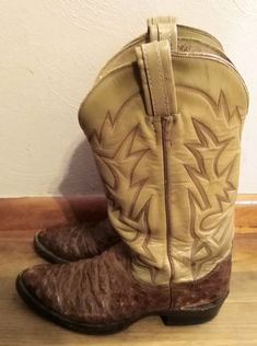 0c5174e3353 267 Inspiring boots images in 2019 | Western wear, Boots, Cowgirl boots