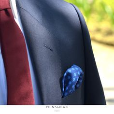 Våren er en fin tid til å friske opp garderoben. Nye slips er på plass i butikken, og vi hjelper deg gjerne med å finne tilbehøret som passer perfekt til deg!  #menswear_no #menswear #dress #oslo #tjuvholmen #lysaker #bogstadveien #hegdehaugsveien #dress #jobb #fest #viero #vieromilano #suit #suitup #slips #viero  Photo: @katyadonic