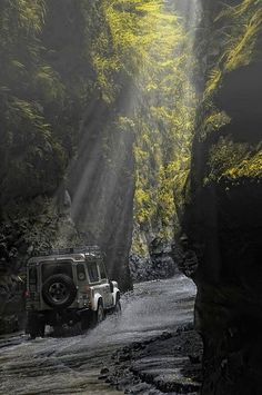 A Defender on it's way to Mt. Pinatubo through a Jurassic flora in the mountain crevices of Sacobia. Photo by Jundio Salvador via Land Rover Philippines