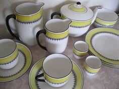ah i want a vintage china set so badly!