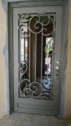 Top Amazing design ideas of wrought iron doors Window Grill Design Modern, Grill Door Design, House Gate Design, Door Gate Design, Door Design Interior, Wooden Door Design, Main Door Design, Wrought Iron Driveway Gates, Wrought Iron Doors