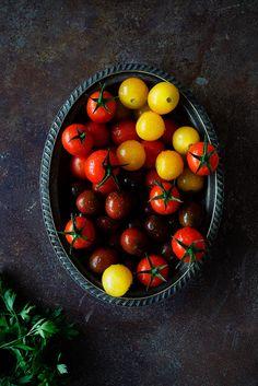 Tomatoes   Los Tragaldabas - Raquel Carmona
