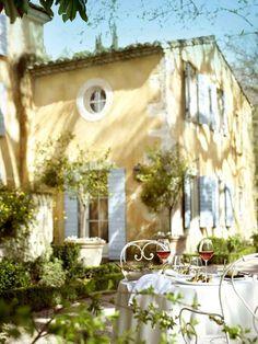 boya, sıva, renk... Provencal style, France.