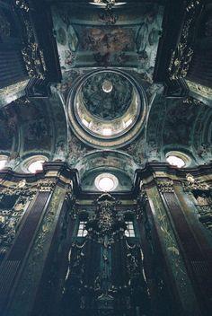 Dark Castle- Modern setting for the classic fairytale