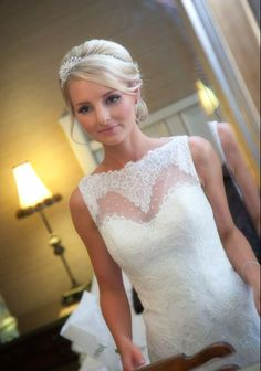 Alice looked every inch the perfect bride on her Enzoani Fada gown xxxx