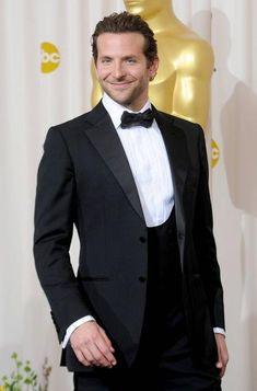 2017 New Arrival Mens Suits Groomsmen White Lapel Groom Tuxedos Black Dot Wedding