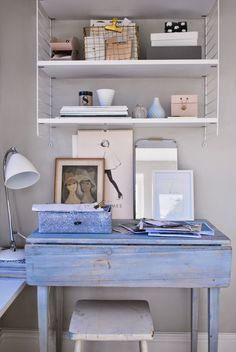 Shabby chic style, also sometimes known as farmhouse or cottage style and very similar to French country, is a very forgiving, warm, and friendly décor sty