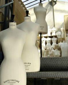 Siegel & Stockman has been making tailor's dummies, window bustforms, mannequins and accessories hangers since