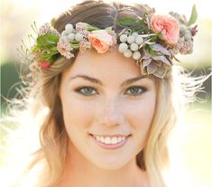 Succulents are a popular choice for weddings these days because they combine so well with just about any bloom. Take a few accent blooms of your choice and pair them with succulents to create a unique and out-of-the-box flower crown. Because succulents are relatively heavy, the bulk of the crown should be made of bigger blooms.