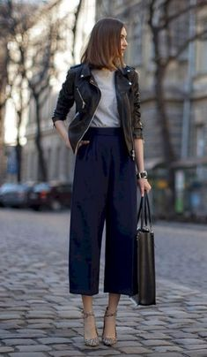 Trendy how to wear culottes outfit the office ideas Fall Outfits For Work, Casual Work Outfits, Mode Outfits, Stylish Outfits, Spring Outfits, Fashion Outfits, Fashion Shoes, Fashion Clothes, Summer Work Outfits Office