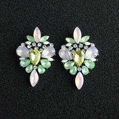 2016 New arrival Fashion Sweet Flower Gem Crystal Earrings For Women Party