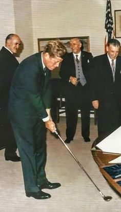 Nadire Atas on Jacqueline Kennedy Onassis Robert Kennedy, Jacqueline Kennedy Onassis, Famous Golfers, Jfk Jr, Famous Graves, Mr President, John Fitzgerald, American Presidents, Golf Outfit