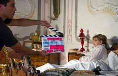 Piera degli Esposti durante una scena del film Leoni nelle stanze di Ca' Marcello