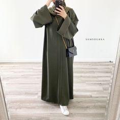 Modesty Fashion, Abaya Fashion, Fashion Outfits, Muslim Women Fashion, Islamic Fashion, Casual Hijab Outfit, Hijab Chic, Mode Kimono, Mode Abaya