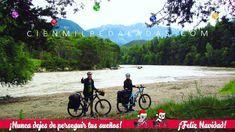 """Nunca dejes de perseguir tus sueños! Feliz Navidad! Entre Landeck e Innsbruck (Austria). Pedaleando por el Tirol junto al rio Eno. Postales del Capítulo 7 """"Cien mil pedaladas: A lo largo del Eno y del Danubio"""" de la serie """"Cien mil pedaladas: pedaleando por Europa"""". Más en http://ift.tt/2yUD9gy. #cicloviajeros #biketouring #bikepacking #cienmilpedaladas #labicicleta #bicicleta #bike #bicycle #velo #fahrrad #viajar #travel #trip #viajarenbici #cicloruta #cycleroute #veloroute #radweg…"""