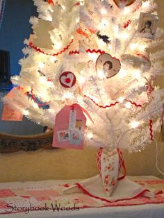 82 Best Valentine S Day Tree Skirt Images On Pinterest