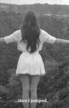 #wattpad #no-fico Hey serumaninhoooossss,como cês tão?Espero que estejam bem,bom não sou nenhuma escritora mais andei pensando e vi como muitas pessoas falam sobre o suicídio,como tem umas que nem se importam,que querem se matar e aquelas que acham que é frescura,aham,aham,pode páh,aváh se pensamentos suicidas fosse...