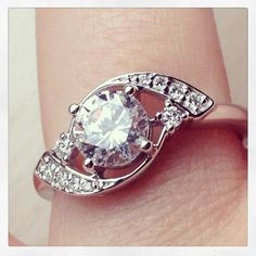 Idée et inspiration Bague Diamant :   Image   Description   Gorgeous Diamond Ring