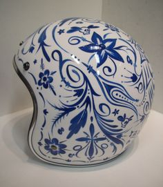 Delft blue tattoo helmet to remind your head is just as venerable as porcelain Delft, Airbrush, Motorcycle Helmets, Blue Motorcycle, Futuristic Motorcycle, Motorcycle Posters, Motorcycle Parts, Buy Classic Cars, Helmet Paint